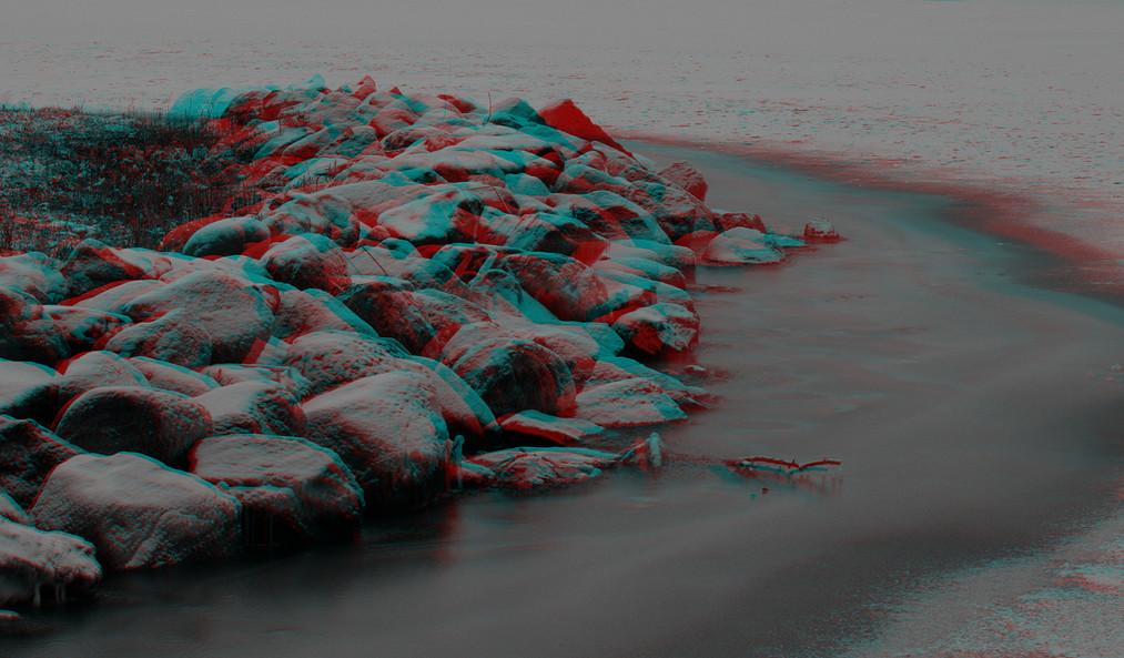 Steine an der zugefrorenen Schlei