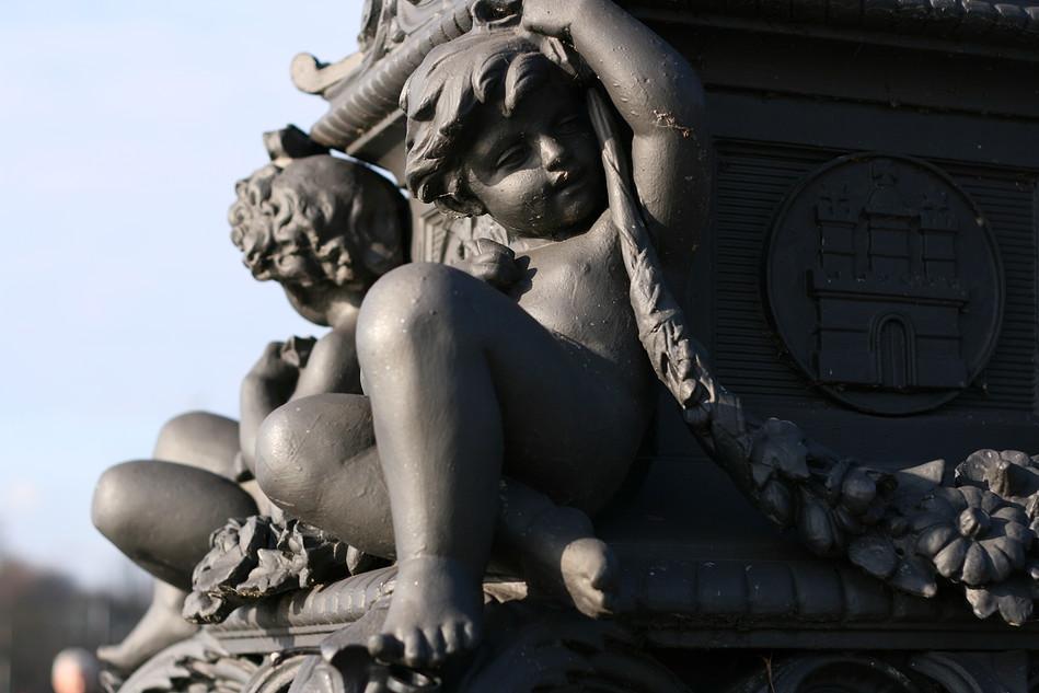 Figuren auf der Lombardsbrücke